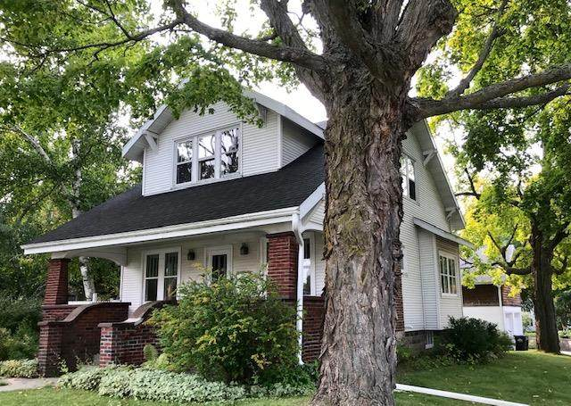 819 Michigan St, Sturgeon Bay, WI 54235 (#135818) :: Town & Country Real Estate