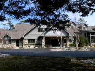 4676 Glidden Dr #210, Sturgeon Bay, WI 54235 (#136912) :: Town & Country Real Estate