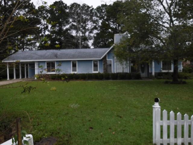110 Stapleton Dr, Eufaula, AL 36027 (MLS #171753) :: Team Linda Simmons Real Estate