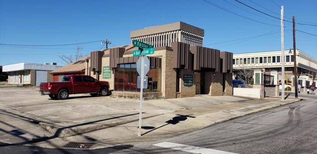 401 N Foster, Dothan, AL 36303 (MLS #172270) :: Team Linda Simmons Real Estate