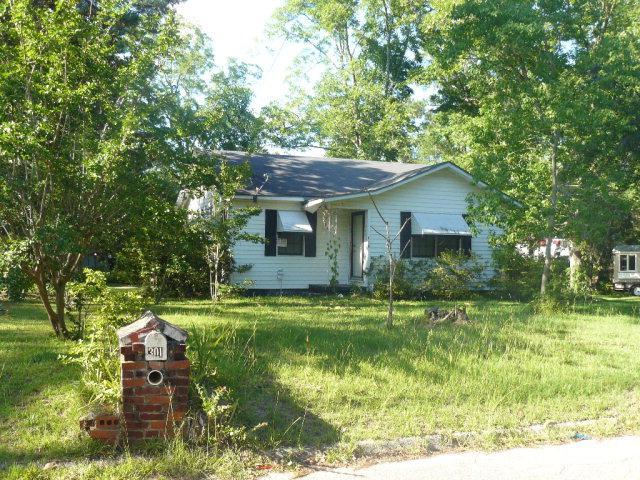 301 Hedstrom Drive, Dothan, AL 36301 (MLS #161354) :: Team Linda Simmons Real Estate