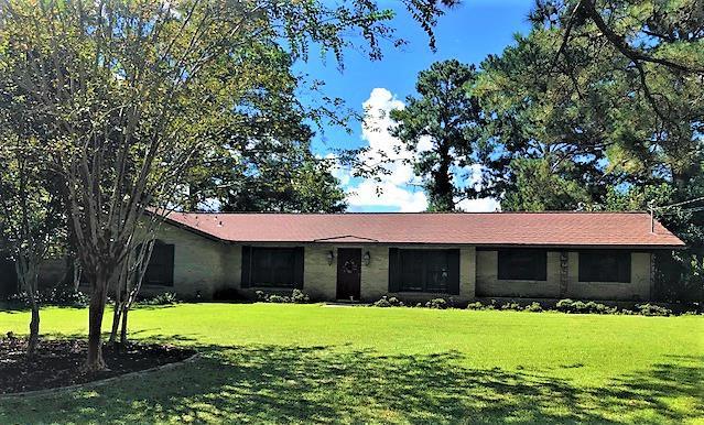 4109 Woodberry Drive, Dothan, AL 36301 (MLS #170937) :: Team Linda Simmons Real Estate