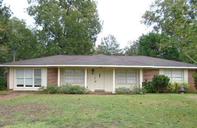 200 Averett Avenue, Enterprise, AL 36330 (MLS #175957) :: Team Linda Simmons Real Estate