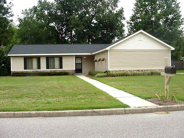 2302 Aberdeen, Dothan, AL 36301 (MLS #180533) :: Team Linda Simmons Real Estate