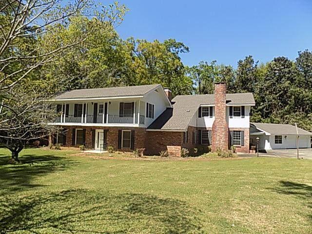100 Meadowbrook Dr, Dothan, AL 36303 (MLS #182145) :: Team Linda Simmons Real Estate