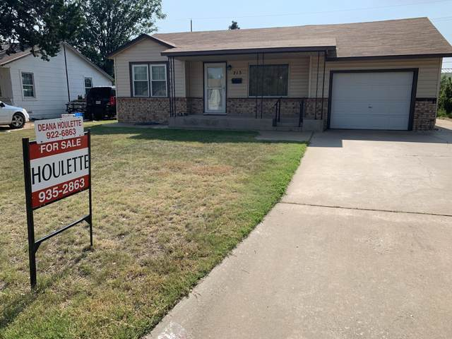 213 Cherry Ave, Dumas, TX 79029 (#HR-681) :: RE/MAX Town and Country