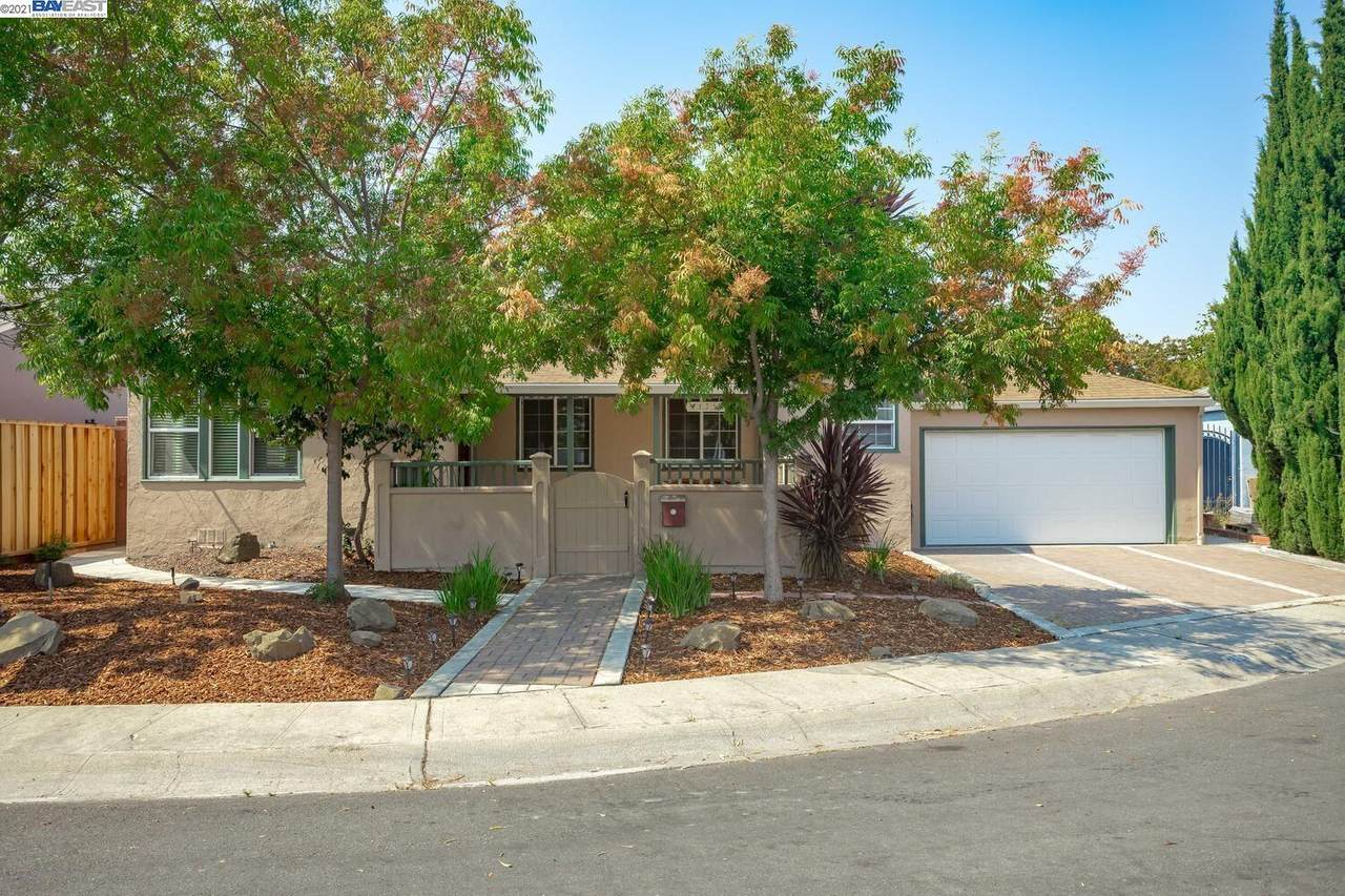 1753 139th Ave - Photo 1