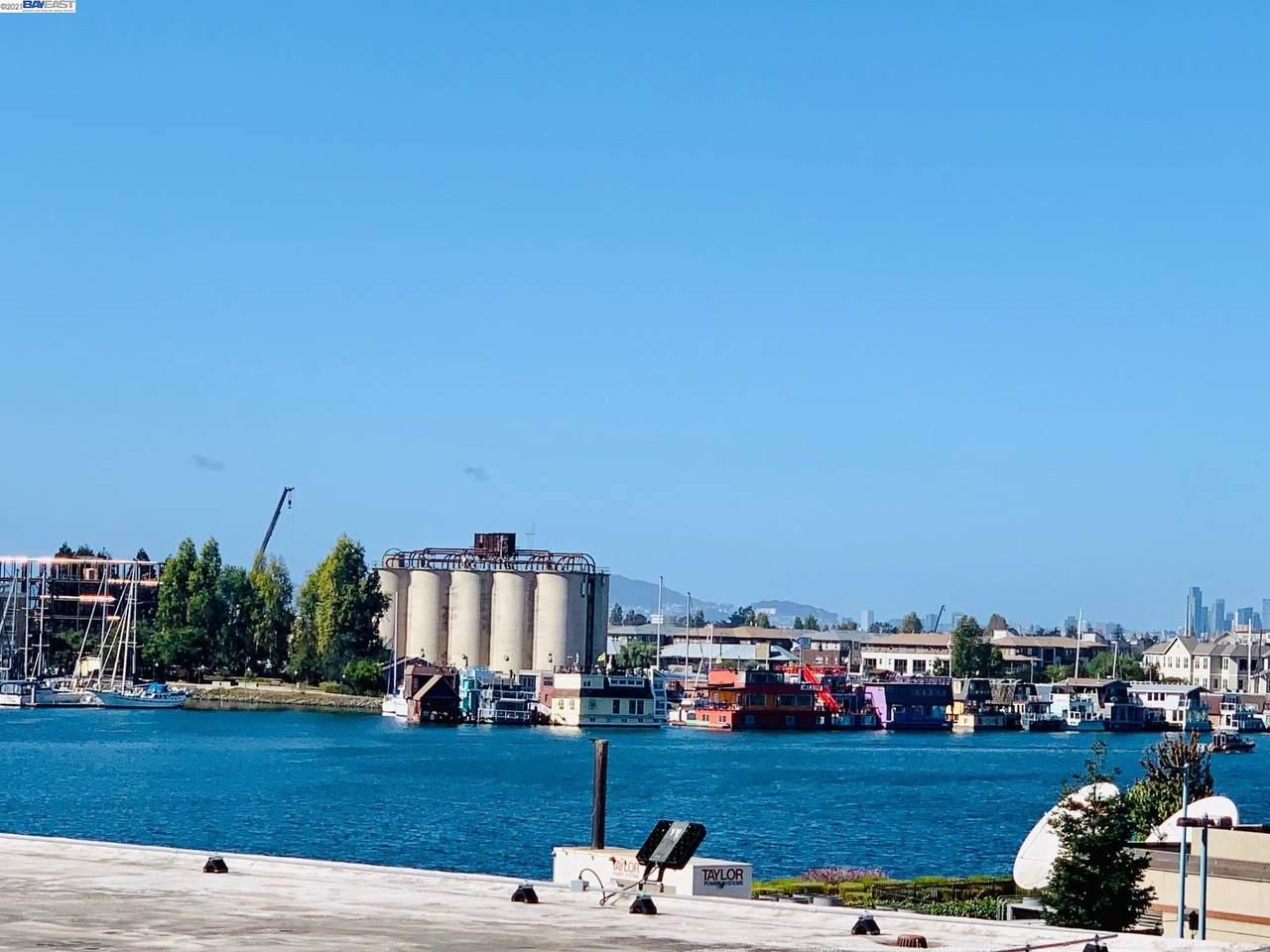 7 Embarcadero West - Photo 1