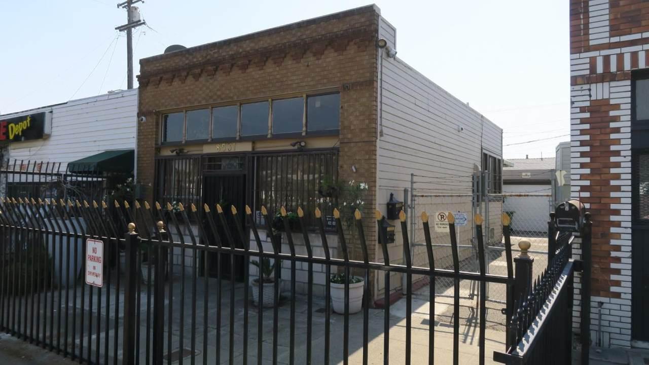8531 Bancroft Avenue - Photo 1