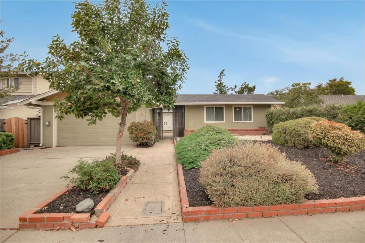 633 Catalina Drive - Photo 1