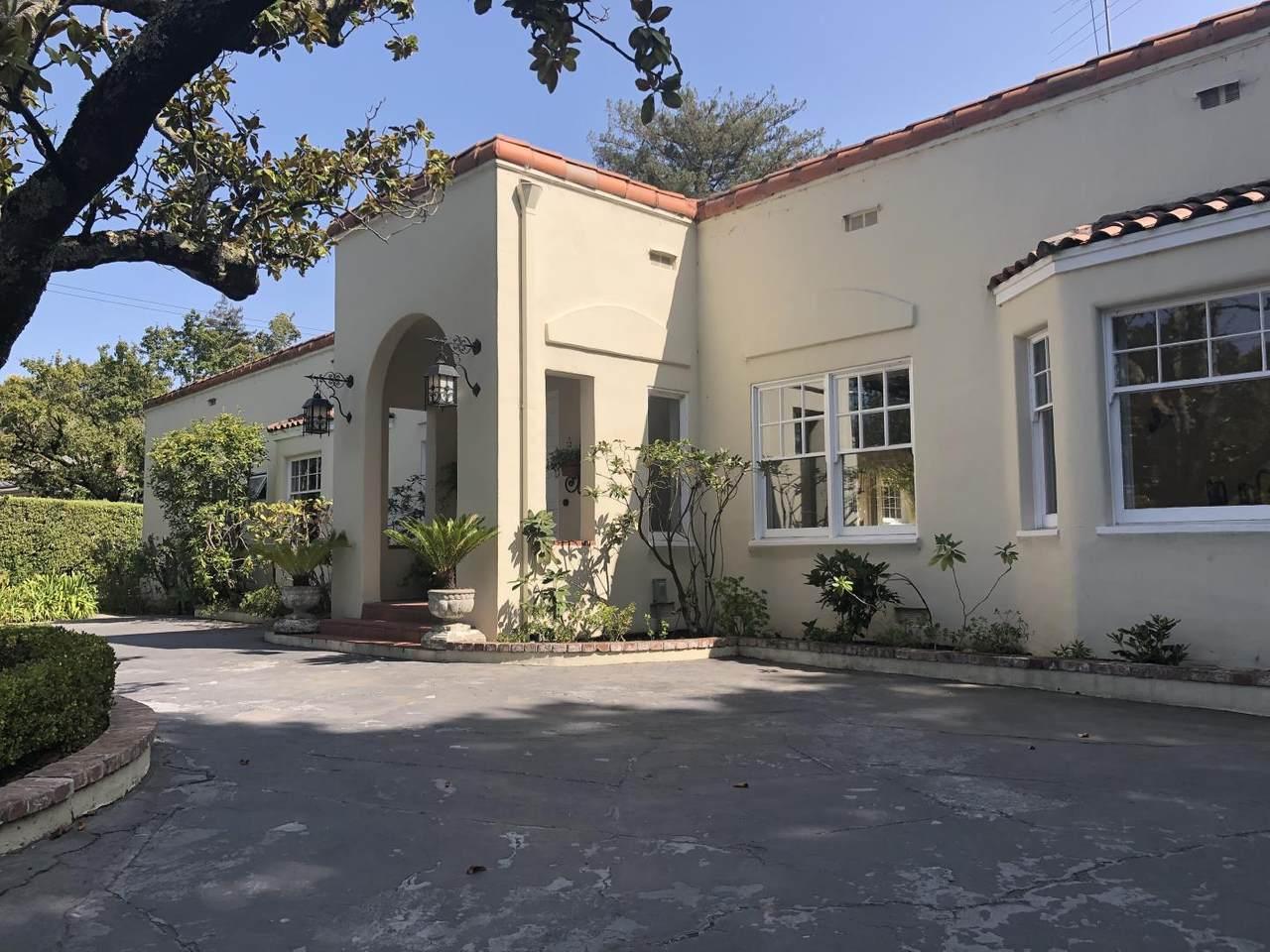 105 Santa Inez Avenue - Photo 1