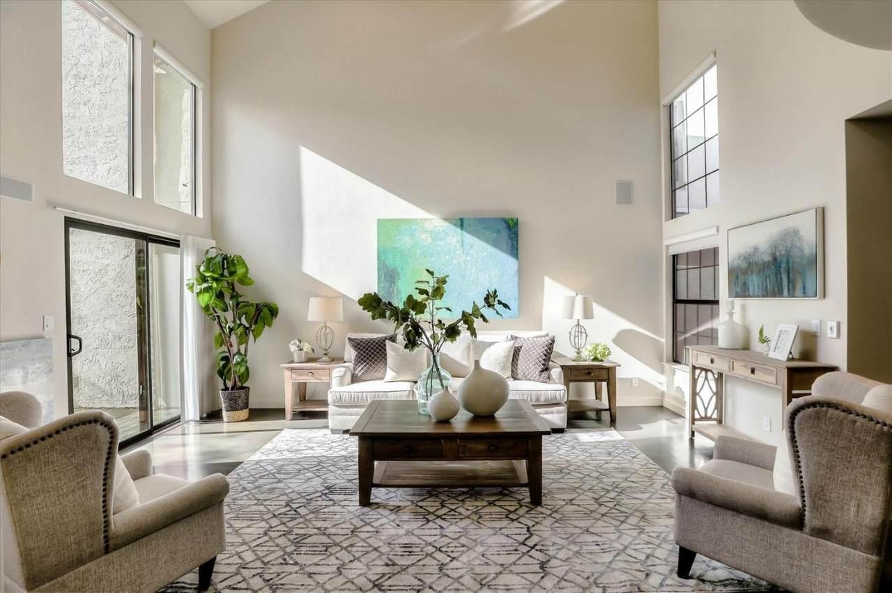 426 Ives Terrace - Photo 1