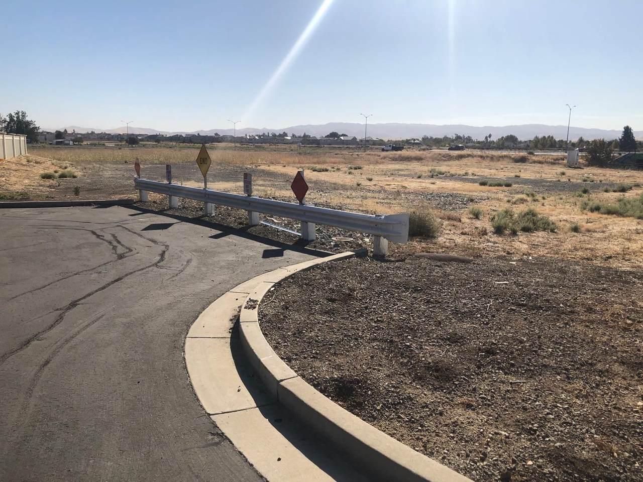 420 Sand Creek Court - Photo 1