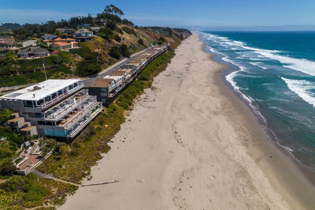 300 Oceanview Drive - Photo 1