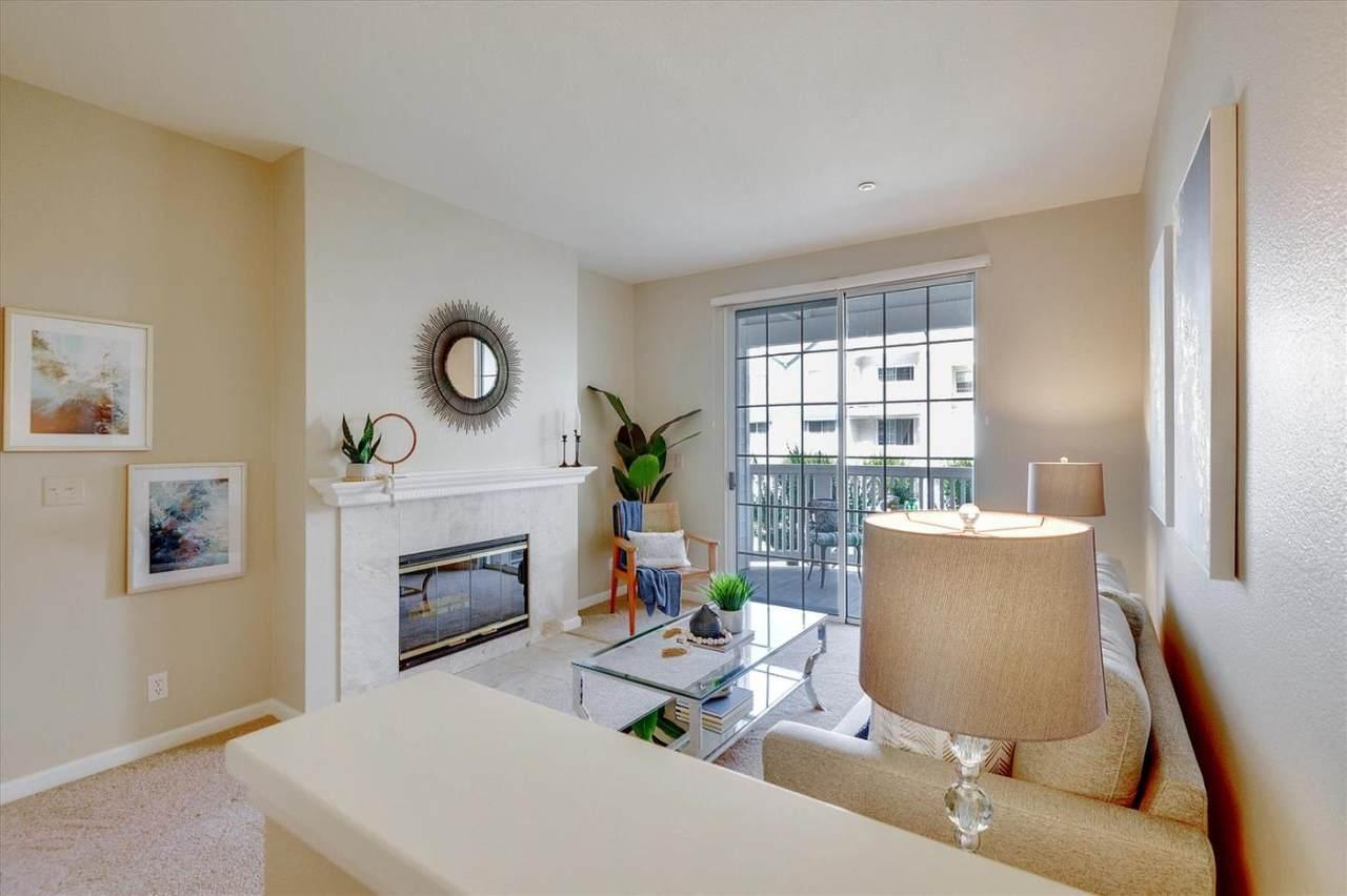 605 Arcadia Terrace - Photo 1