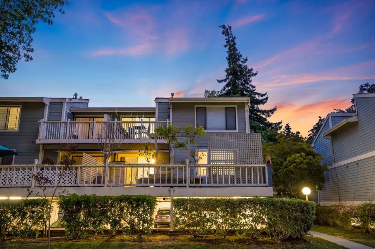 3518 Knollwood Terrace - Photo 1