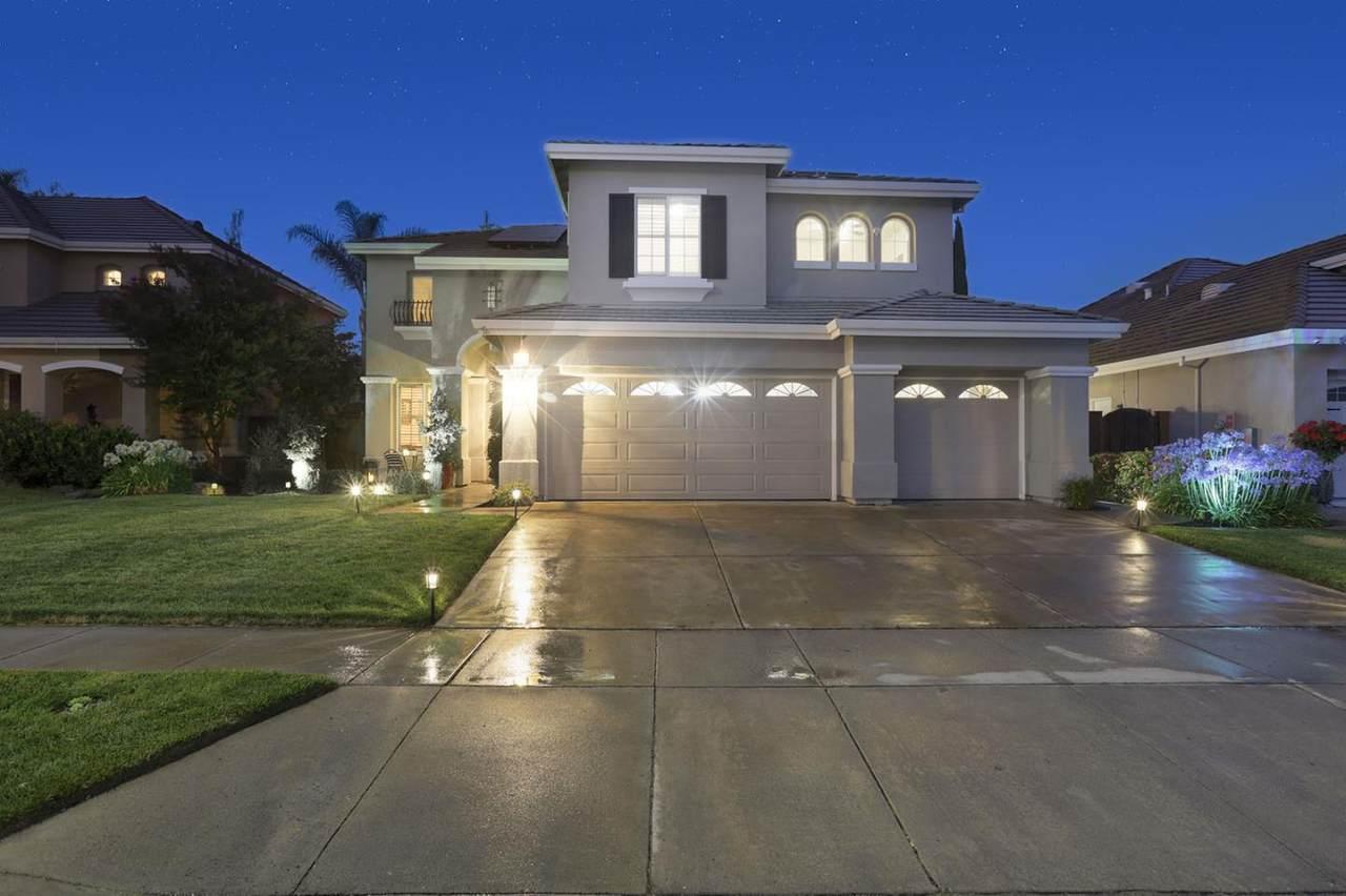 9540 Rancho Hills Drive - Photo 1
