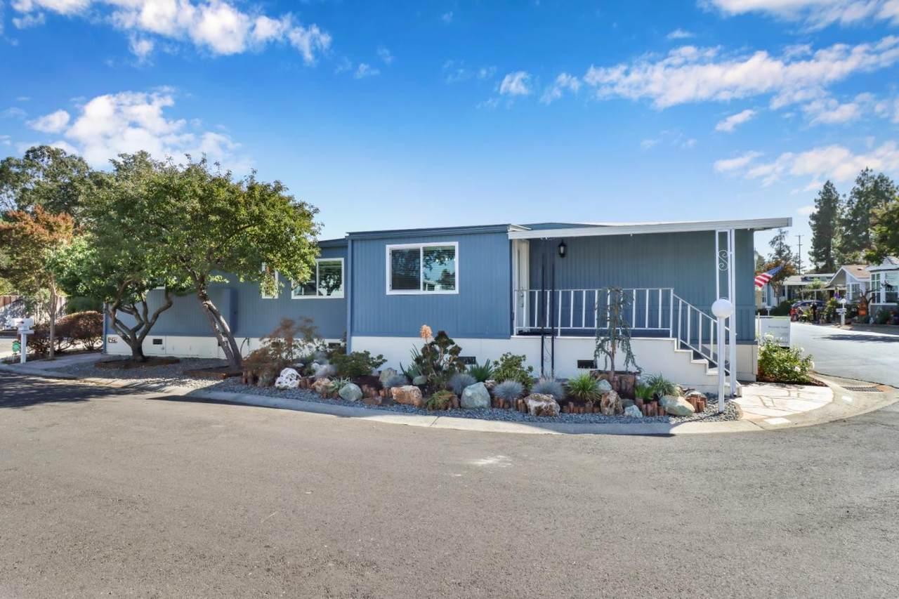 9 Timber Cove Drive - Photo 1