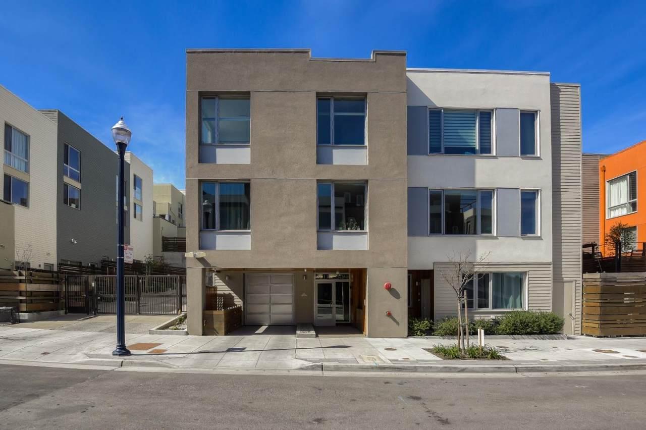 501 Hudson Avenue - Photo 1