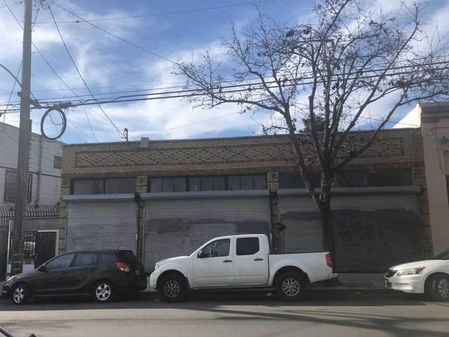 5323 Fairfax Ave, Oakland, CA 94601 (#40895350) :: Armario Venema Homes Real Estate Team
