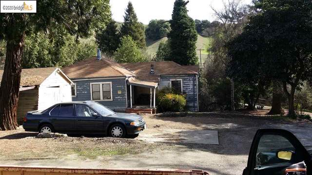 8950 Crow Canyon Rd, Castro Valley, CA 94552 (#40903428) :: The Grubb Company