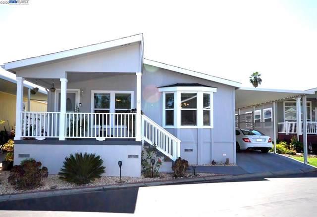 3263 Vineyard Ave., #9 #9, Pleasanton, CA 94566 (#40907274) :: Armario Venema Homes Real Estate Team