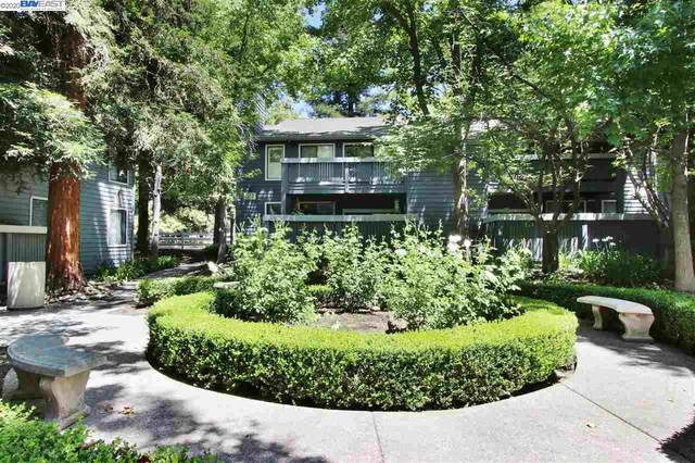 7112 Cross Creek Cir B, Dublin, CA 94568 (#40911049) :: Armario Venema Homes Real Estate Team