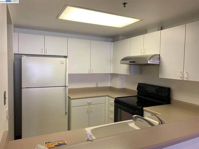 988 Franklin St #404, Oakland, CA 94607 (#40912314) :: Realty World Property Network