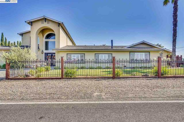 5467 Division Rd, Manteca, CA 95337 (#40916939) :: Realty World Property Network