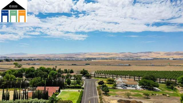 23388 Los Ranchos, Tracy, CA 95304 (#40918917) :: Realty World Property Network