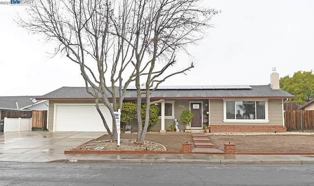 1686 Warsaw Ave, Livermore, CA 94550 (#40935403) :: Realty World Property Network