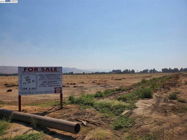 Morgan Hill, CA 95037 :: The Lucas Group