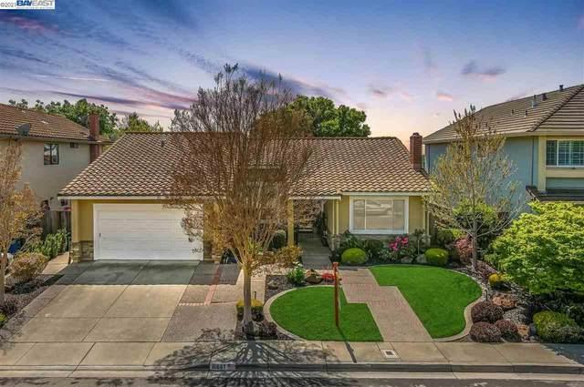 16687 Columbia Drive, Castro Valley, CA 94552 (#40945436) :: Sereno