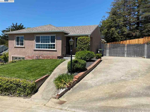 5030 Ray Ave, Castro Valley, CA 94546 (#40949385) :: The Grubb Company