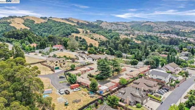 4920 Jensen Rd, Castro Valley, CA 94552 (#40955312) :: The Grubb Company