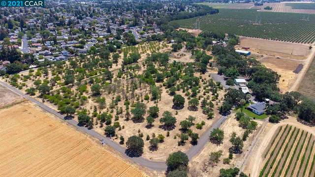 2878 B Mankas Corner Rd, Fairfield, CA 94534 (#40960000) :: Realty World Property Network
