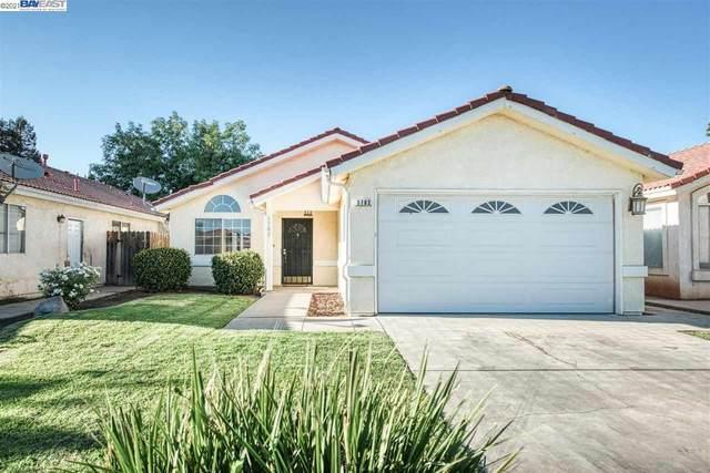 5782 W Vartikian Ave, Fresno, CA 93722 (#40960915) :: Armario Homes Real Estate Team