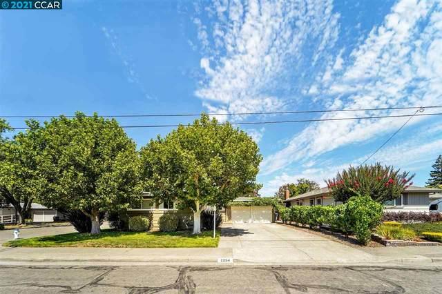 2204 Cheyenne Dr, Santa Rosa, CA 95405 (#40961129) :: Realty World Property Network