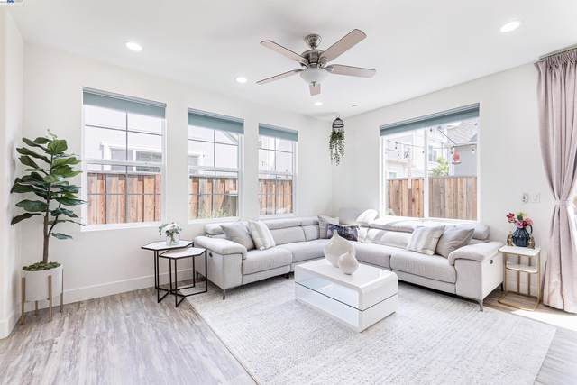 8548 Bayshores Ave, Newark, CA 94560 (#40966352) :: Real Estate Experts
