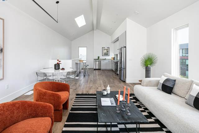 3245B Hollis, Oakland, CA 94607 (#40966723) :: Realty World Property Network