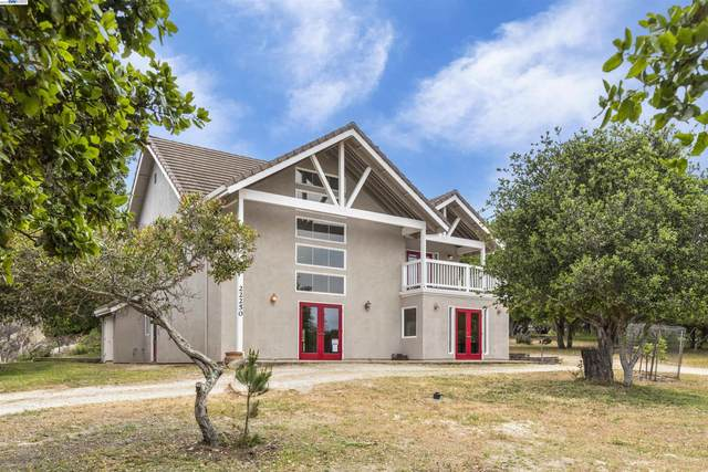 22250 Berry Drive, Salinas, CA 93908 (#40967308) :: The Venema Homes Team