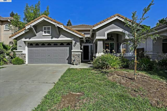 2501 Dinwiddie Way, Elk Grove, CA 95758 (#40967857) :: Blue Line Property Group