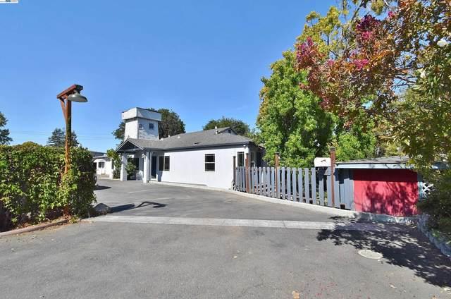 1596 E Street, Hayward, CA 94541 (#40968362) :: The Grubb Company