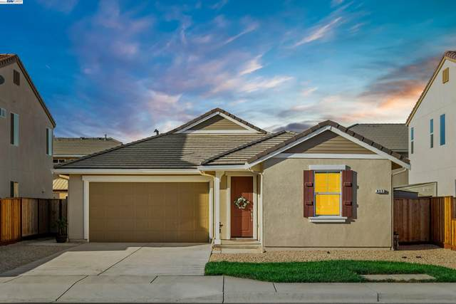 825 Fulton Way, Hollister, CA 95023 (#40968428) :: Blue Line Property Group