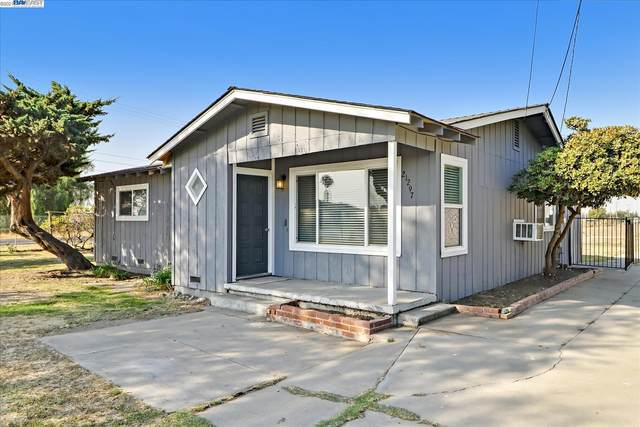 21297 S Corral Hollow Rd, Tracy, CA 95304 (#40969780) :: The Grubb Company