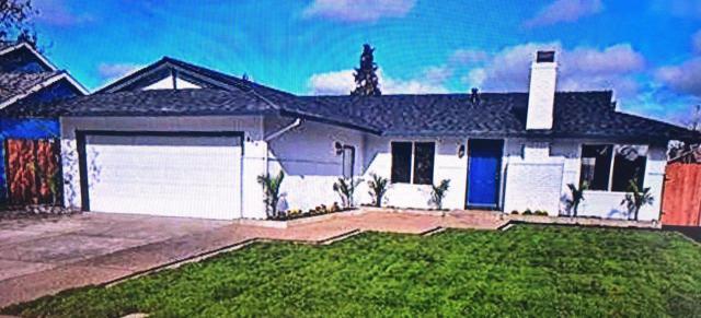 854 Pine St, Livermore, CA 94551 (#ML81757967) :: J. Rockcliff Realtors