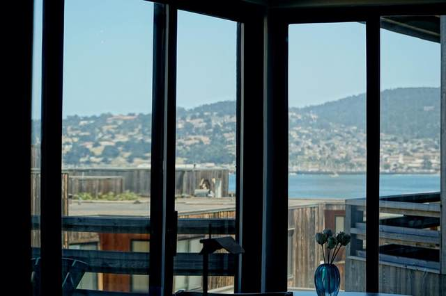 125 Surf Way #329, Monterey, CA 93940 (#ML81799549) :: The Lucas Group