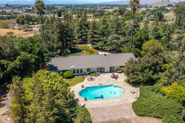 381 Mcmahon Road, Hollister, CA 95023 (#ML81839246) :: The Lucas Group
