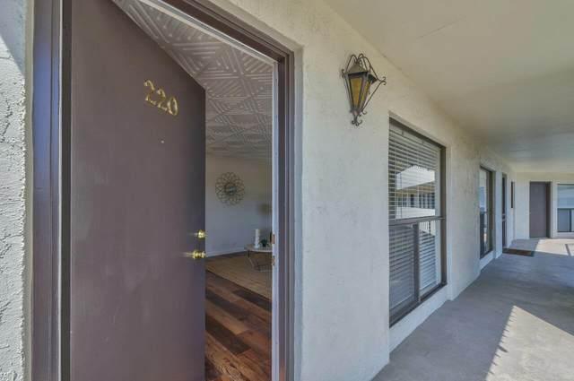 500 Glenwood Circle #220, Monterey, CA 93940 (#ML81850382) :: Armario Homes Real Estate Team