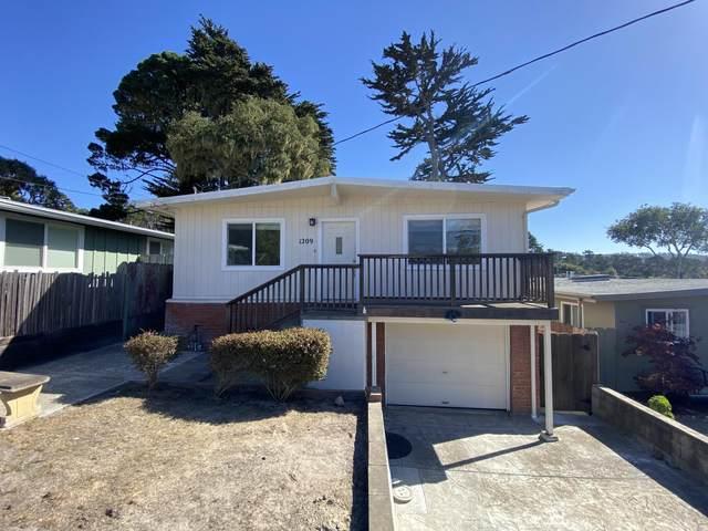 1209 Shafter Avenue, Pacific Grove, CA 93950 (#ML81859767) :: The Grubb Company